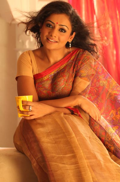 Published February 17  X 605 In Actress Meera Vasudev Sexy Photos
